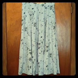 Flowy and Full Floral Skirt, size 14